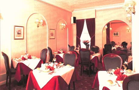 Holmsdale Blackpool dining room