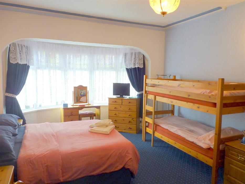 Room 2 - Family Room ensuite