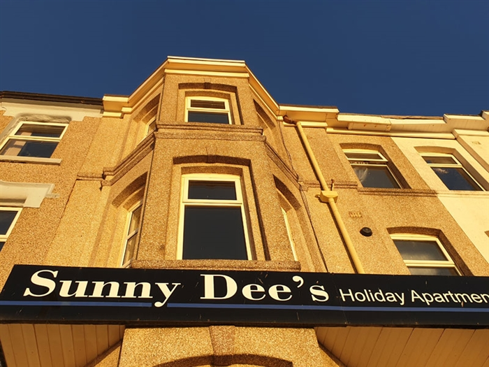 Sunny Dees Holiday Apartments