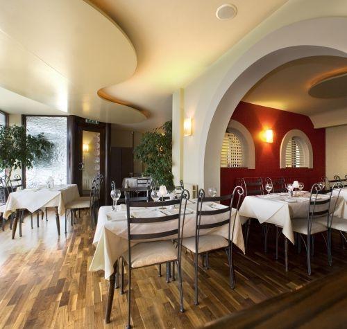 Kwizeen Restaurant