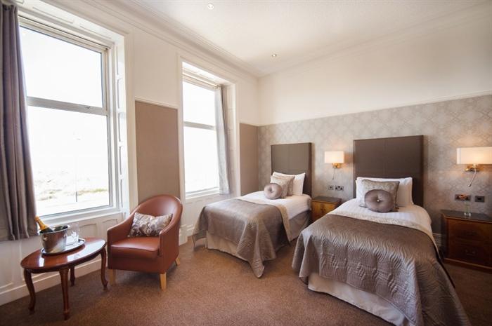 Glendower Hotel twin room